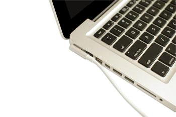 adaptateur AC d'un ordinateur portable