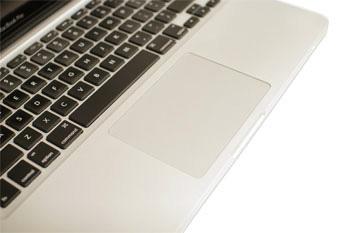 bir dizüstü bilgisayar touchpad