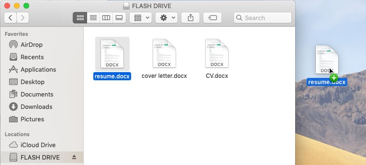screenshot of copying a file from a desktop to a flash drive
