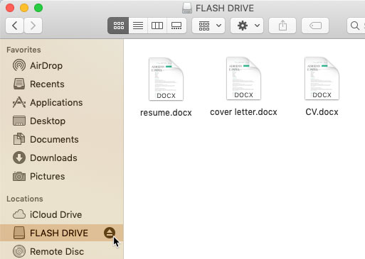 screenshot of clicking the eject button next to a flash drive