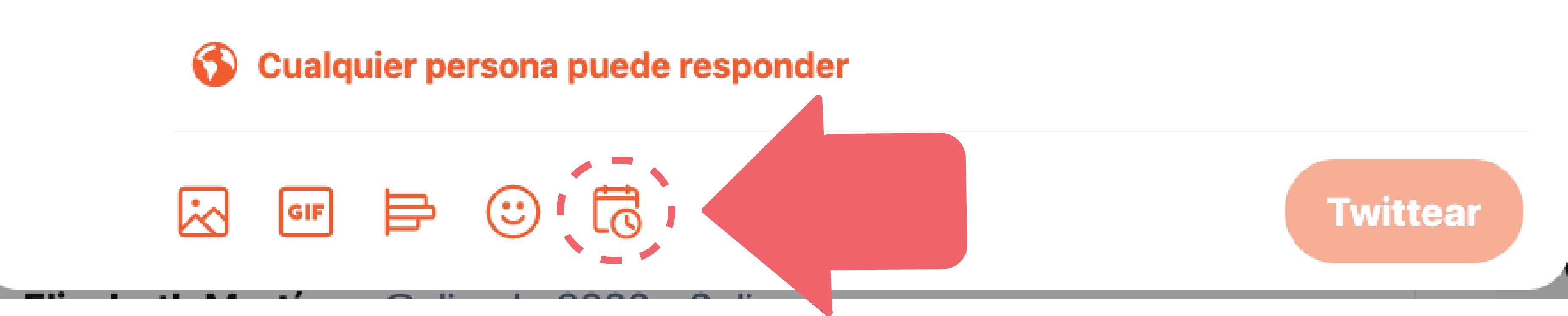 Una vez hayas terminado de escribir, haz clic en icono de programación que encontrarás en la parte inferior junto al ícono de emojis.